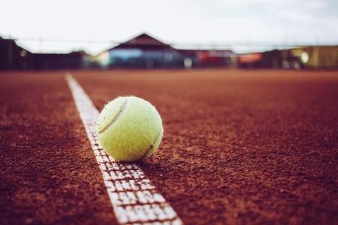 20200511-corona-lockerung-schrittweiser-wiedereinstieg-in-den-vereinssport-tenniscmarkusweberpixabay