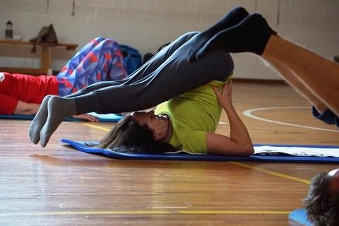 20200820-yoga-ruecken-lehrgang-unter-coronabedingungen